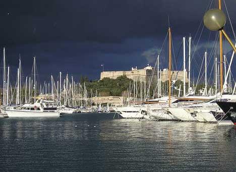 антиб гавань