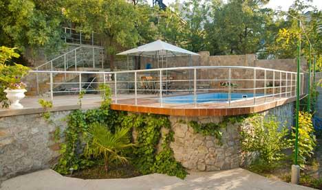 частный отдых в алупке с бассейном