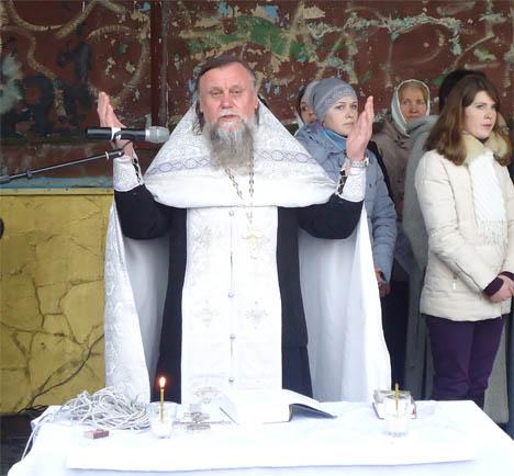 отец Владимир настоятель храма Александра Невского