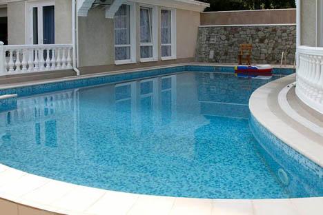 отели в крыму с бассейном