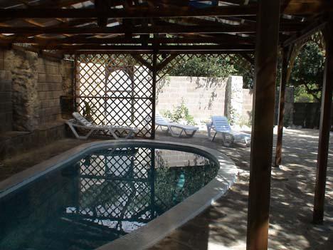 алупка частный отдых с бассейном